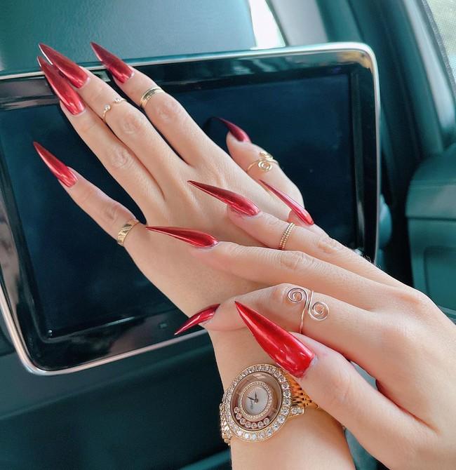 Tham khảo các mỹ nhân Việt 12 bộ nail từ đơn giản đến siêu lồng lộn để diện Tết Tân Sửu - Ảnh 8.