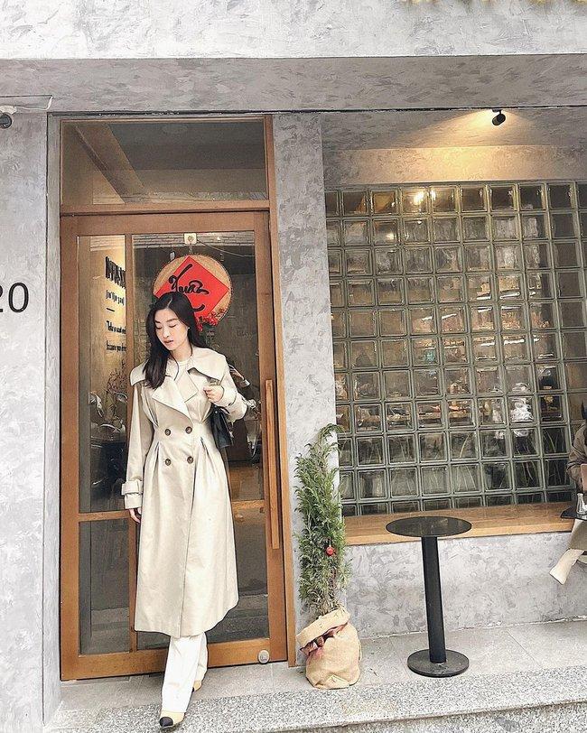 Một kiểu áo khoác dài đơn giản mà so kè được style của 4 nàng Hậu: Người chân chất, người khoe dáng nuột nà - Ảnh 5.
