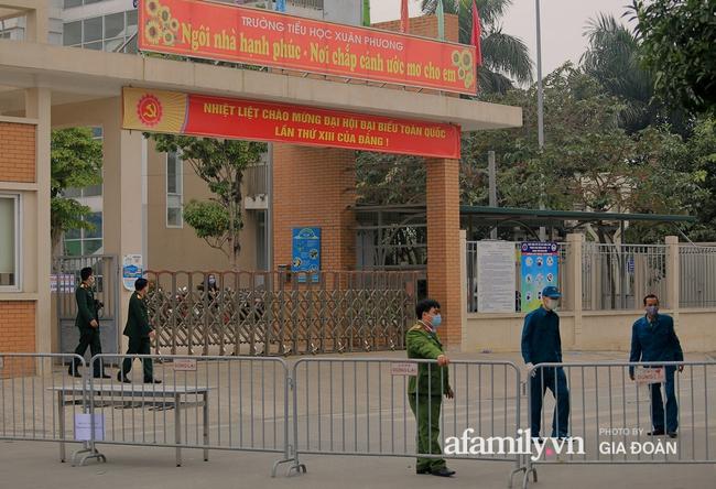 Những trường học trở thành khu cách ly tập trung - Ảnh 3.