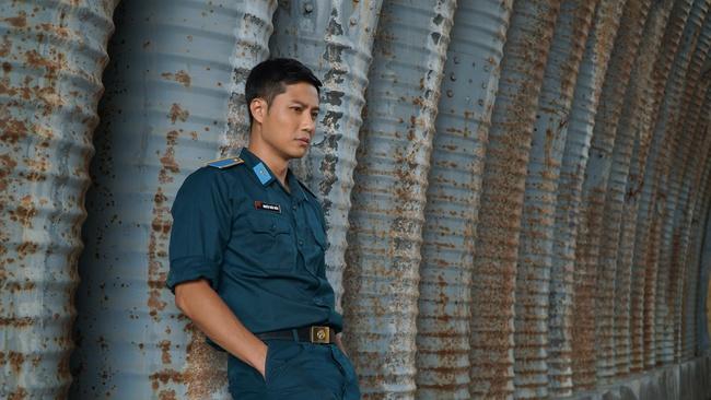 Thanh Sơn, Bình An đóng phim Tết toàn trai đẹp của đạo diễn Khải Anh, mới tung trailer đã khiến dân mạng xôn xao vì quá hoành tráng - Ảnh 4.