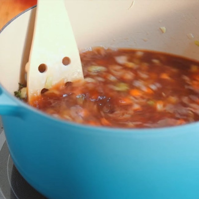 """Cuối tuần tranh thủ vào bếp làm ngay món soup rau củ thơm ngon, béo ngậy này: Bí quyết để các mẹ trị bệnh """"lười ăn rau"""" cho con là đây chứ đâu! - Ảnh 4."""