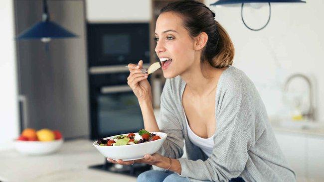 """5 mẹo """"dễ như chơi"""" giúp chị em không bị béo lên sau khi ăn Tết, thậm chí còn gầy đi - Ảnh 4."""