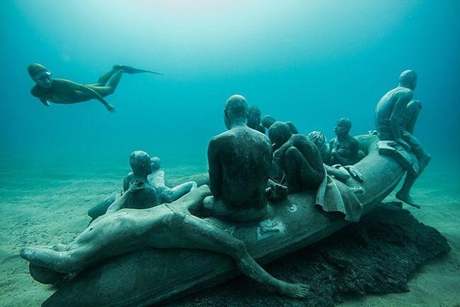 """Có một vùng biển khiến ai cũng phải """"lạnh người"""" khi nhìn thấy cảnh tượng toàn xác chết ở dưới đáy, ghê rợn ngỡ chỉ xuất hiện trong phim kinh dị - Ảnh 2."""