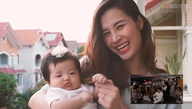 """Con gái Đông Nhi gây thích thú với gương mặt """"không cảm xúc"""" khi mẹ chúc mừng sinh nhật bố Ông Cao Thắng - Ảnh 2."""