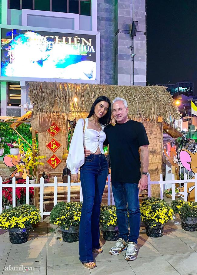 """Chuyện gái Việt 26 tuổi yêu tỷ phú Mỹ 72 tuổi: Điều bạn trai ghét nhất khi ăn Tết tại Việt Nam và kỷ niệm """"dã man"""" trong đêm Giao Thừa khiến ngài tỷ phú ám ảnh cả đời - Ảnh 11."""