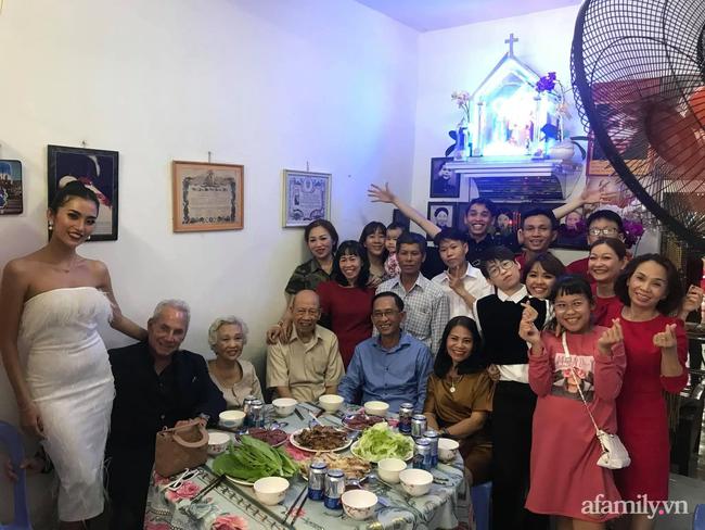 """Chuyện gái Việt 26 tuổi yêu tỷ phú Mỹ 72 tuổi: Điều bạn trai ghét nhất khi ăn Tết tại Việt Nam và kỷ niệm """"dã man"""" trong đêm Giao Thừa khiến ngài tỷ phú ám ảnh cả đời - Ảnh 10."""