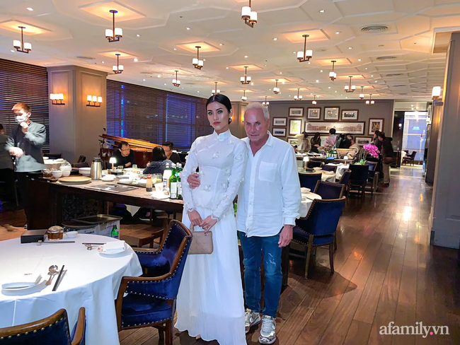 """Chuyện gái Việt 26 tuổi yêu tỷ phú Mỹ 72 tuổi: Điều bạn trai ghét nhất khi ăn Tết tại Việt Nam và kỷ niệm """"dã man"""" trong đêm Giao Thừa khiến ngài tỷ phú ám ảnh cả đời - Ảnh 4."""