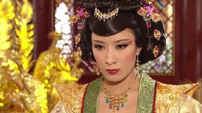 Vị hoàng hậu đanh đá nhất lịch sử Trung Hoa: Tự ý ban tặng phi tần cho kẻ vô lại, ghen tuông đến mức Hoàng đế sợ hãi không nói nên lời - Ảnh 1.