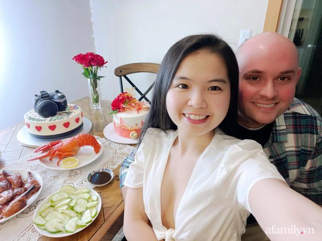 Khỏe mạnh sau khi cả nhà mắc COVID-19, cặp đôi vợ Việt chồng Mỹ đón Tết đặc biệt nơi xứ người: Chồng ngoại quốc tự tay gói bánh Chưng, mâm Tết món nào cũng ăn bằng sạch! - Ảnh 10.