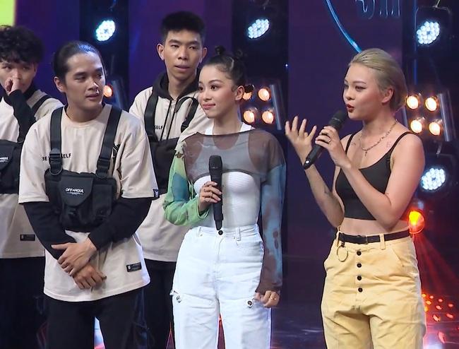 Sau loạt tin đồn chia tay Hồng Thanh, DJ xinh đẹp nhất Rap Việt - Mie lần đầu ngồi ghế nóng - Ảnh 9.