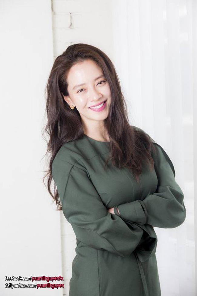 Top mỹ nhân đẹp nhất Kbiz: Tranh cãi việc Jeon So Min (Running Man) vượt mặt Song Hye Kyo và Son Ye Jin - Ảnh 3.