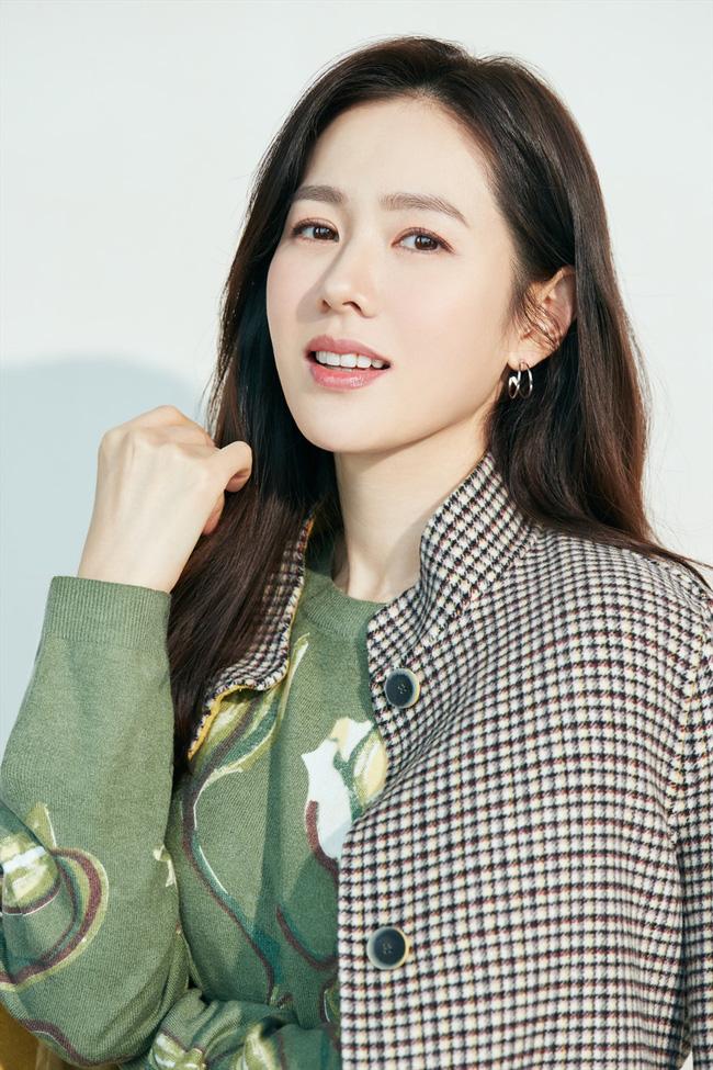 Top mỹ nhân đẹp nhất Kbiz: Tranh cãi việc Jeon So Min (Running Man) vượt mặt Song Hye Kyo và Son Ye Jin - Ảnh 8.