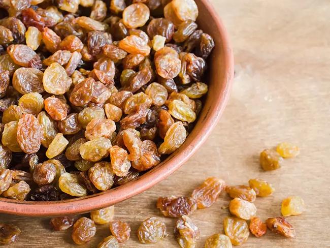 Điều gì sẽ xảy ra với cơ thể khi bạn ăn nho khô đều đặn mỗi ngày? - Ảnh 4.