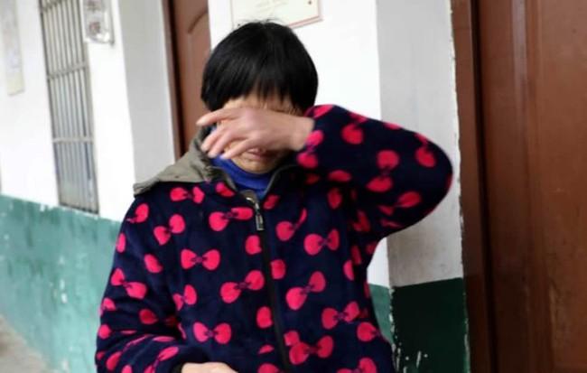 Bé 8 tháng tuổi bị xuất huyết não, cách dỗ dành khi trẻ khóc của bà nội là nguyên nhân gây hại - Ảnh 1.