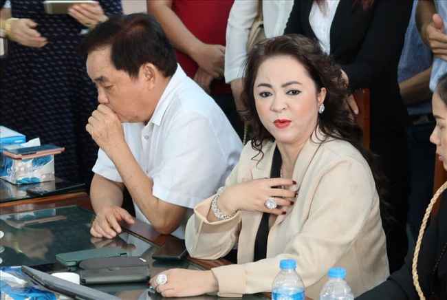 """Ngoài vợ chồng ông Dũng """"lò vôi"""", xuất hiện thêm người thứ 3 ở Hà Nội lên tiếng tố ông Võ Hoàng Yên chiếm đoạt 50 tỷ đồng? - Ảnh 1."""