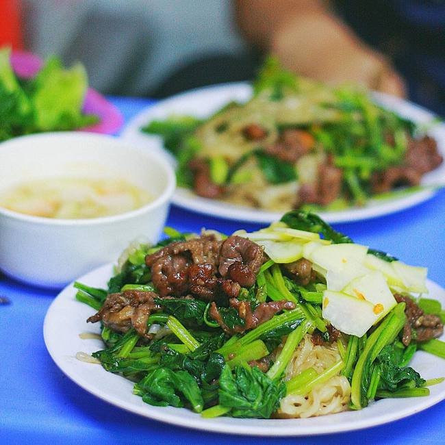 """Mạng xã hội Phillipines chê """"Việt Nam nghèo không có tiền mua đồ ăn nhanh"""", dân tình nhanh tay liệt kê những món vỉa hè đắt hơn gà rán gấp bội mà lại ngon """"bá cháy"""" - Ảnh 2."""