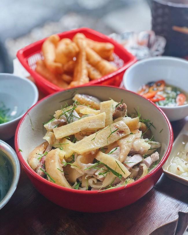 Những quán ăn đường phố đắt đỏ ở Việt Nam - Ảnh 3.
