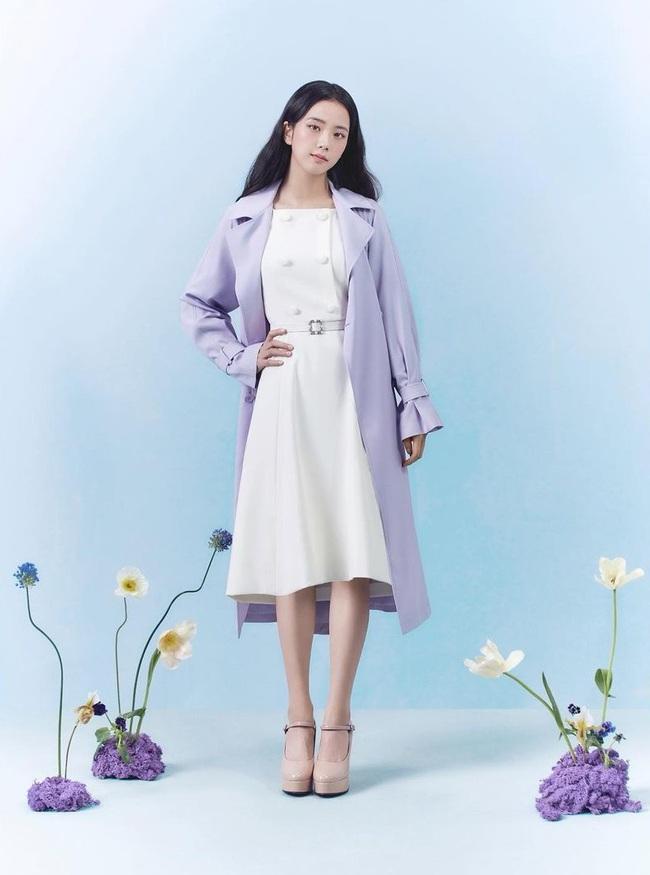 """Visual lẫn vóc dáng thấp bé tương đồng, chị đẹp Penthouse và Jisoo còn có cùng gu chọn giày mix với váy để """"độn"""" chiều cao - Ảnh 8."""