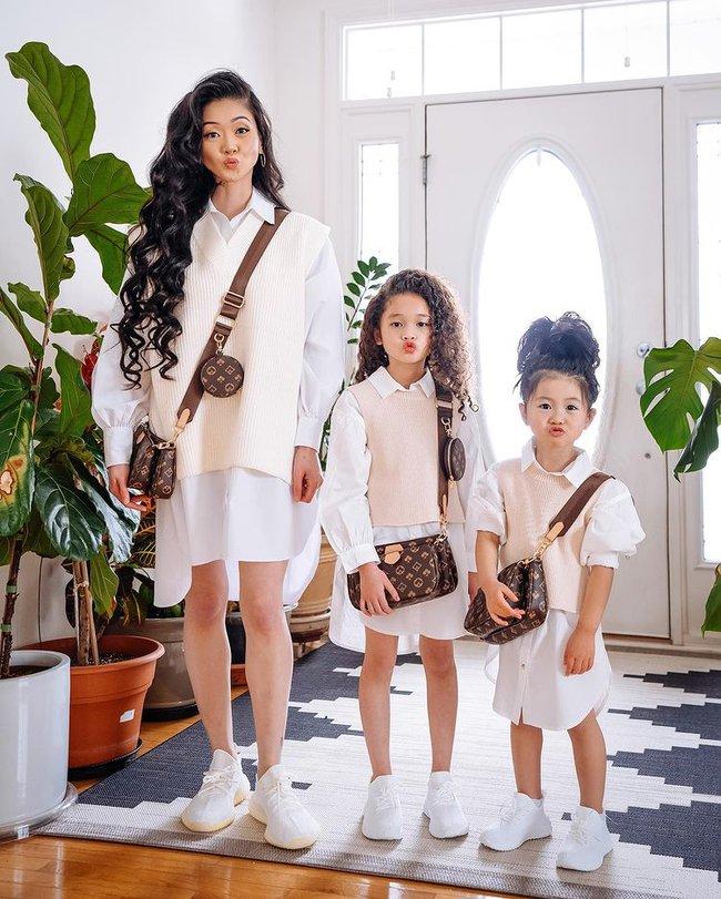 Mẹ gốc Việt nổi tiếng Instagram nhờ chụp ảnh cùng con gái, nhìn sang ảnh gia đình lại càng thấy bất ngờ hơn - Ảnh 2.
