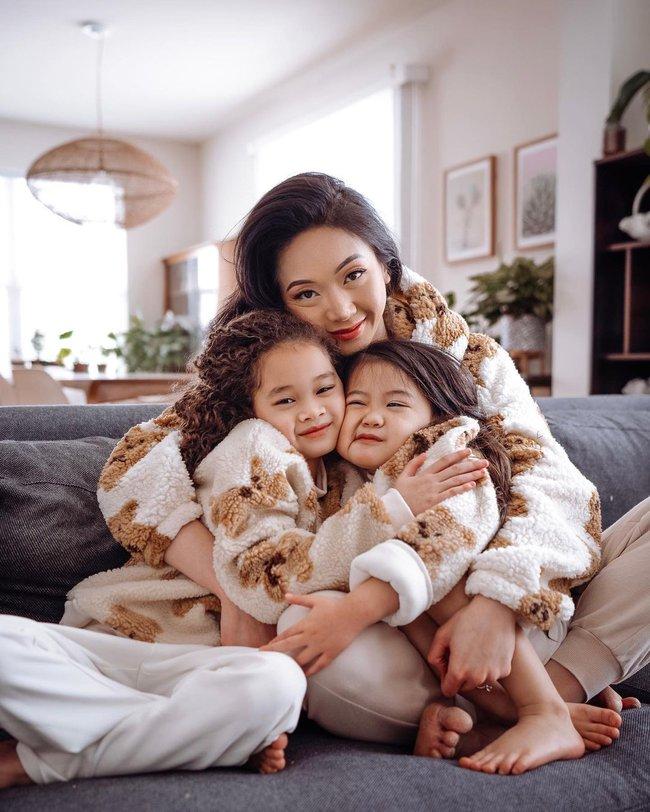 Mẹ gốc Việt nổi tiếng Instagram nhờ chụp ảnh cùng con gái, nhìn sang ảnh gia đình lại càng thấy bất ngờ hơn - Ảnh 4.