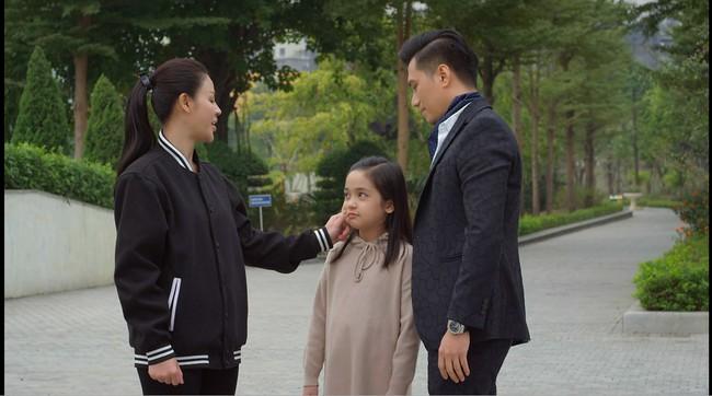 Hướng dương ngược nắng: Minh chính thức chinh phục được con gái Hoàng, cánh cửa làm