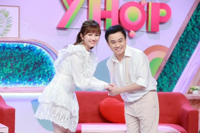 Hữu Tín công khai bạn gái xinh đẹp trên sóng truyền hình - Ảnh 2.