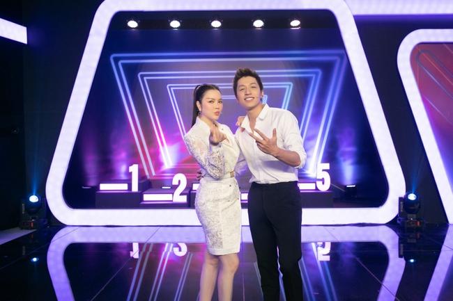 """Trước nhan sắc của Lý Nhã Kỳ, MC Thành Trung đã nói điều này khiến Diệu Nhi """"bẽ mặt"""" trên sóng truyền hình - Ảnh 9."""