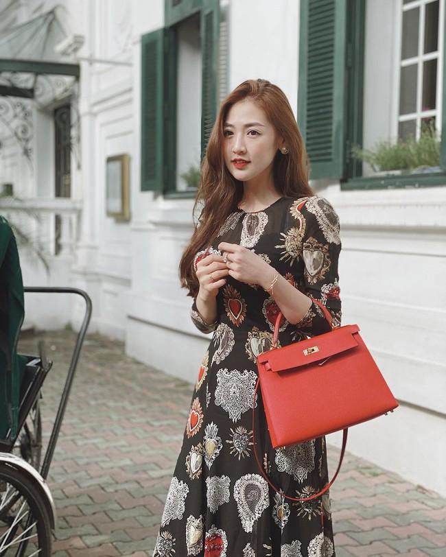 """Hội Hoa/Á hậu diện váy theo 10 cách siêu xinh và sang, xem mà """"chốt"""" được bao kiểu đáng sắm cho mùa Hè - Ảnh 5."""
