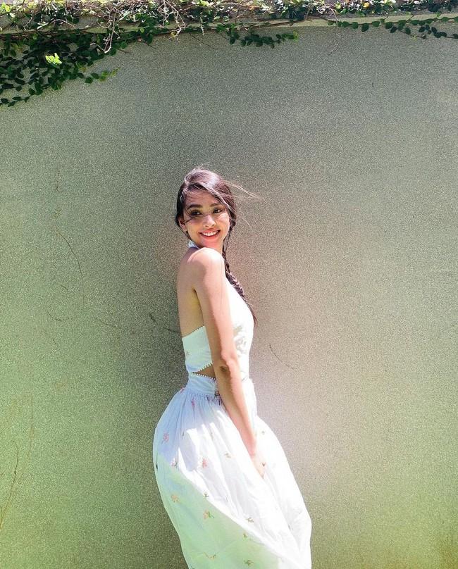 """Hội Hoa/Á hậu diện váy theo 10 cách siêu xinh và sang, xem mà """"chốt"""" được bao kiểu đáng sắm cho mùa Hè - Ảnh 8."""