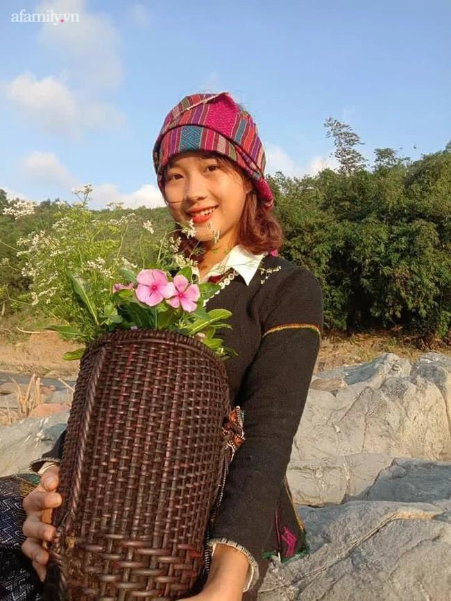 Nữ sinh Bru - Vân Kiều gây sốt với trang phục truyền thống, ảnh đời thường càng gây bất ngờ hơn - Ảnh 3.