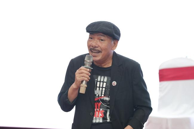Nhạc sĩ Trần Tiến trẻ trung, phong độ xuất hiện trong họp báo đại nhạc hội hoành tráng - Ảnh 3.