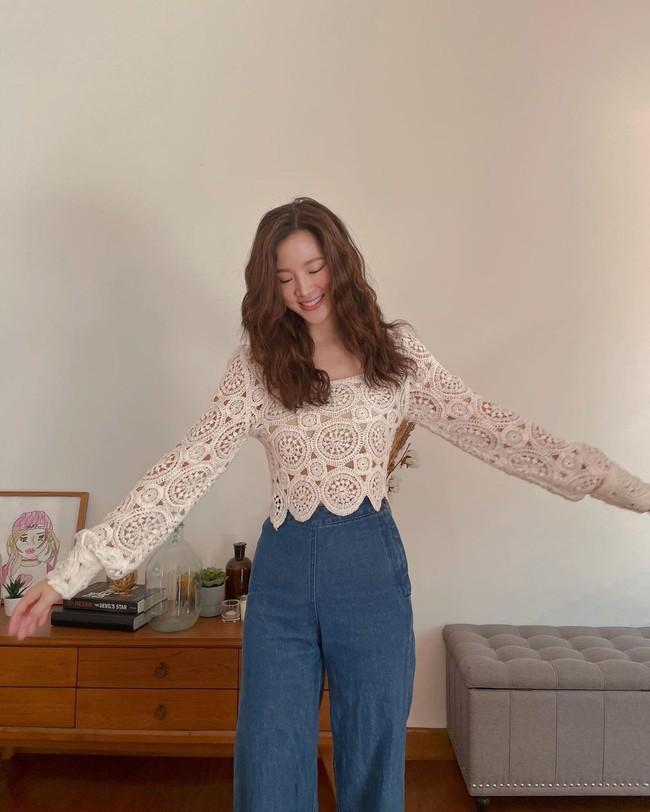 Chỉ cần học 12 outfit của Baifern, style Xuân/Hè 2021 của chị em chắc chắn sẽ trẻ đẹp hơn hẳn năm ngoái - Ảnh 3.