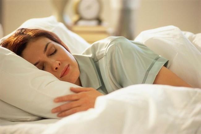Áp dụng tốt việc này trong 7 khung giờ của 1 ngày, 7 cơ quan nội tạng được giải độc, cơ thể khỏe mạnh - Ảnh 1.