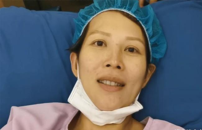 Sao nữ đình đám sinh con thứ 3 ở tuổi 46, nhìn ngoại hình của cô sau sinh mà người hâm mộ xót xa - Ảnh 4.