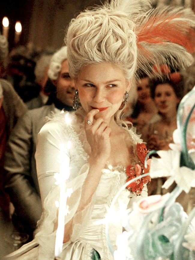 """Xuất thân cao quý, nhan sắc """"cực phẩm"""" nhưng Hoàng hậu này lại bị cắt tóc diễu hành, chém đầu thị chúng với loạt tội danh rùng mình - Ảnh 5."""