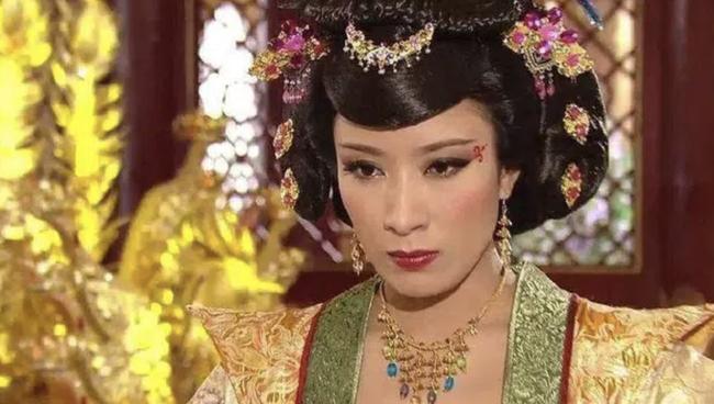 Những vị Hoàng hậu đặc biệt nhất hậu cung Trung Hoa: Kẻ ghen tuông cay nghiệt lấn át Hoàng đế, người chỉ tại vị nửa ngày khiến ai cũng thương tiếc - Ảnh 1.