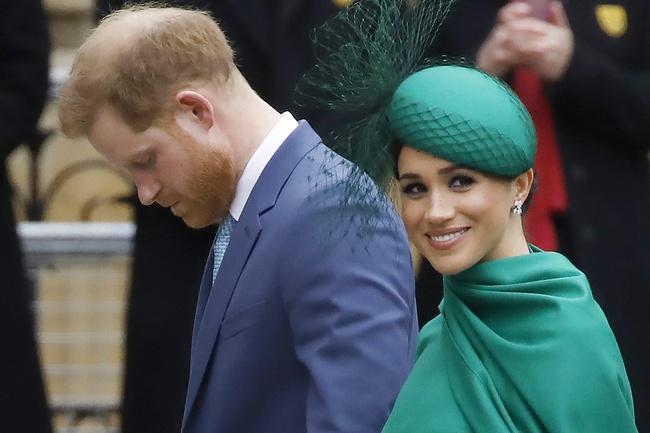Hậu cuộc phỏng vấn bom tấn nhà Sussex: Meghan lợi đủ đường, Harry ngày càng cô độc, vị hoàng tử trúng lời nguyền đã sáng mắt ra chưa? - Ảnh 2.
