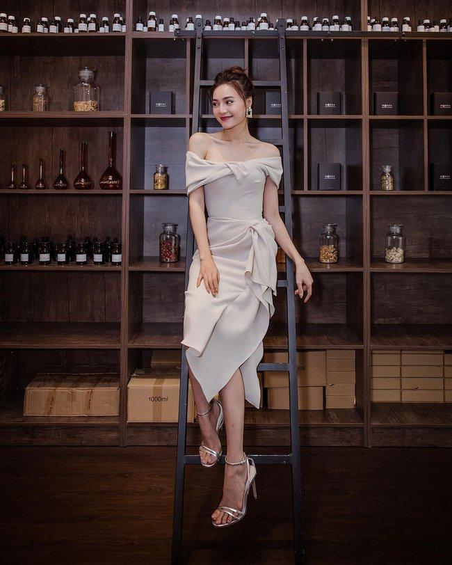 Tìm ra lý do vì sao Ninh Dương Lan Ngọc suốt ngày diện váy áo trễ vai: Khả năng cao là bởi đặc điểm vóc dáng này? - Ảnh 7.
