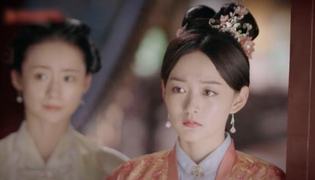 Cẩm tâm tựa ngọc: Đàm Tùng Vận vừa e thẹn vì Chung Hán Lương bồng bế, đã vội tái mặt vì sợ chồng làm có bầu - Ảnh 5.