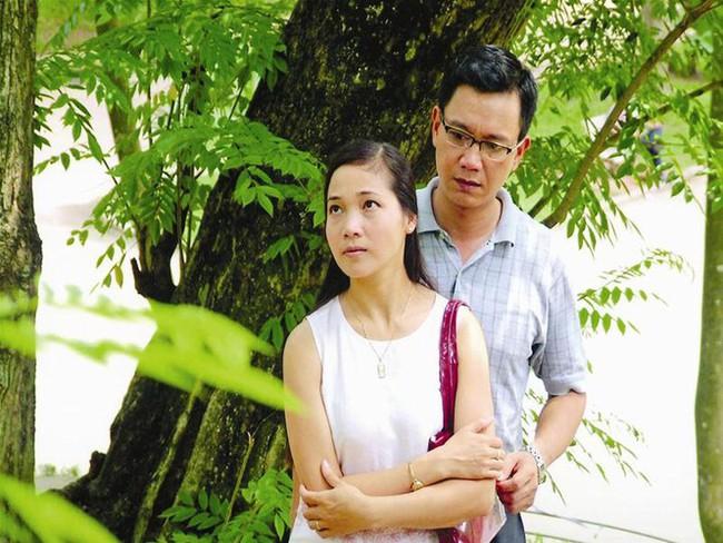 """Chú Quân """"Hướng dương ngược nắng"""": Đóng phim nhẵn mặt khán giả, vợ đẹp nức tiếng màn ảnh Việt - Ảnh 2."""