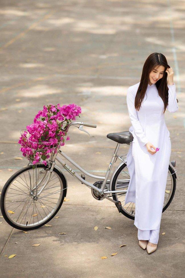 """Diễm My 9x đẹp trong veo với hình ảnh áo dài nữ sinh, fan bồi hồi nhớ Phan Linh """"Tình yêu và tham vọng"""" - Ảnh 2."""