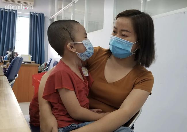 Bé gái 5 tuổi bất ngờ đột quỵ vì căn bệnh Moyamoya hiếm gặp, 100.000 trẻ mới có một trường hợp mắc phải - Ảnh 1.