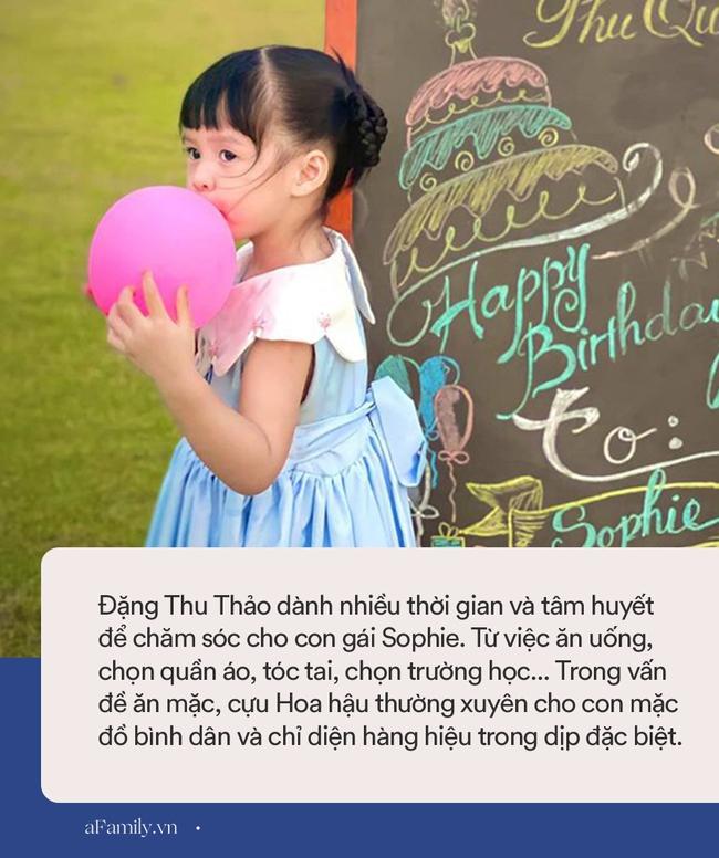 Là tiểu thư nhà giàu đình đám, con gái Hoa hậu Đặng Thu Thảo đeo chiếc ba lô có giá thế nào mà nhiều mẹ tìm mua ngay? - Ảnh 4.