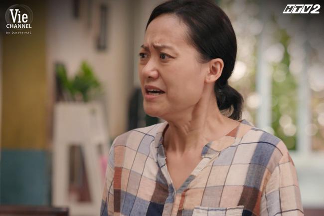 """Cây táo nở hoa: Hồng Ánh mệt mỏi vì phải """"hầu hạ"""" Nhã Phương, Trương Thế Vinh, hé lộ vai diễn nhiều nước mắt nhất 20 năm sự nghiệp - Ảnh 10."""