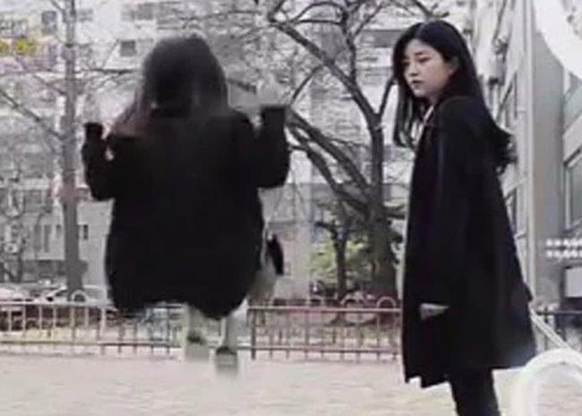 Vụ án chấn động Hàn Quốc được nhắc lại trên màn ảnh nhỏ: Bé gái 8 tuổi bị 2 hung thủ tuổi teen giết, đem một phần thi thể làm quà tặng nhau - Ảnh 3.