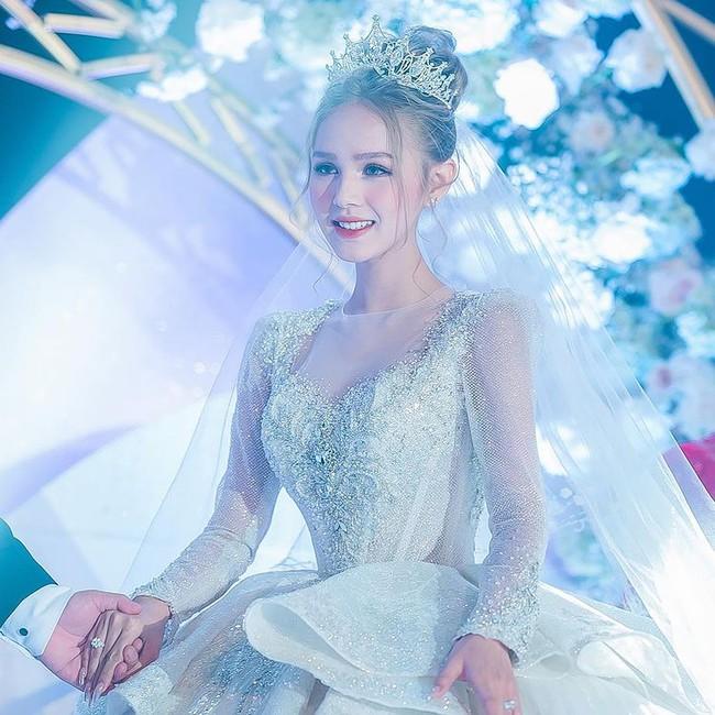 Cuộc sống như trong mơ của cô dâu từng mặc váy cưới 28 tỷ  - Ảnh 2.