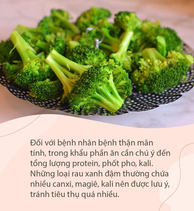 Các loại rau xanh đậm rất ngon bổ dưỡng, nhưng 2 nhóm người sau cần ăn cẩn trọng kẻo bệnh thêm nặng 002