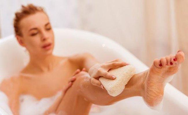 Phụ nữ khi tắm nên rửa hai bộ phận này nhiều hơn, có tác dụng thúc đẩy quá trình tuần hoàn máu, tránh đau bụng kinh - Ảnh 4.
