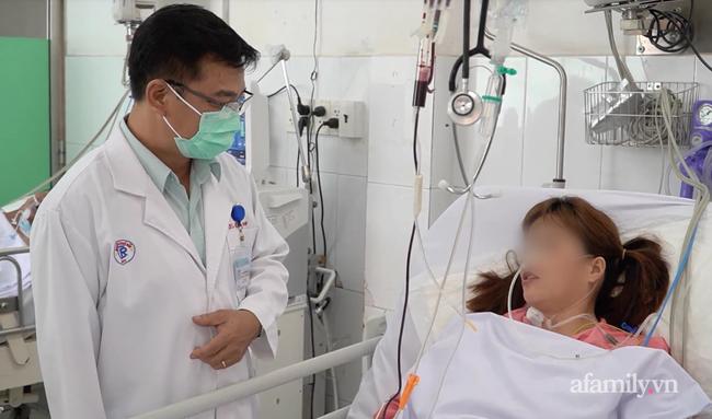 Bác sĩ Sài Gòn gõ cửa mọi nơi tìm huyết thanh cứu người phụ nữ bị rắn hổ chúa cắn vào lưng nguy kịch - Ảnh 3.