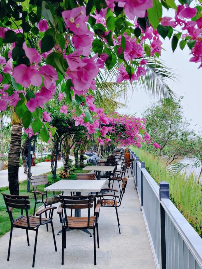 Bất ngờ khi giữa lòng Sài Gòn vẫn có thể tận hưởng biển xanh cát trắng, với 7749 góc check-in cực đẹp cho các chị em - Ảnh 6.